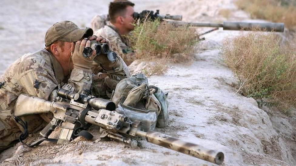 Canadian sniper 'kills IS militant two miles away'