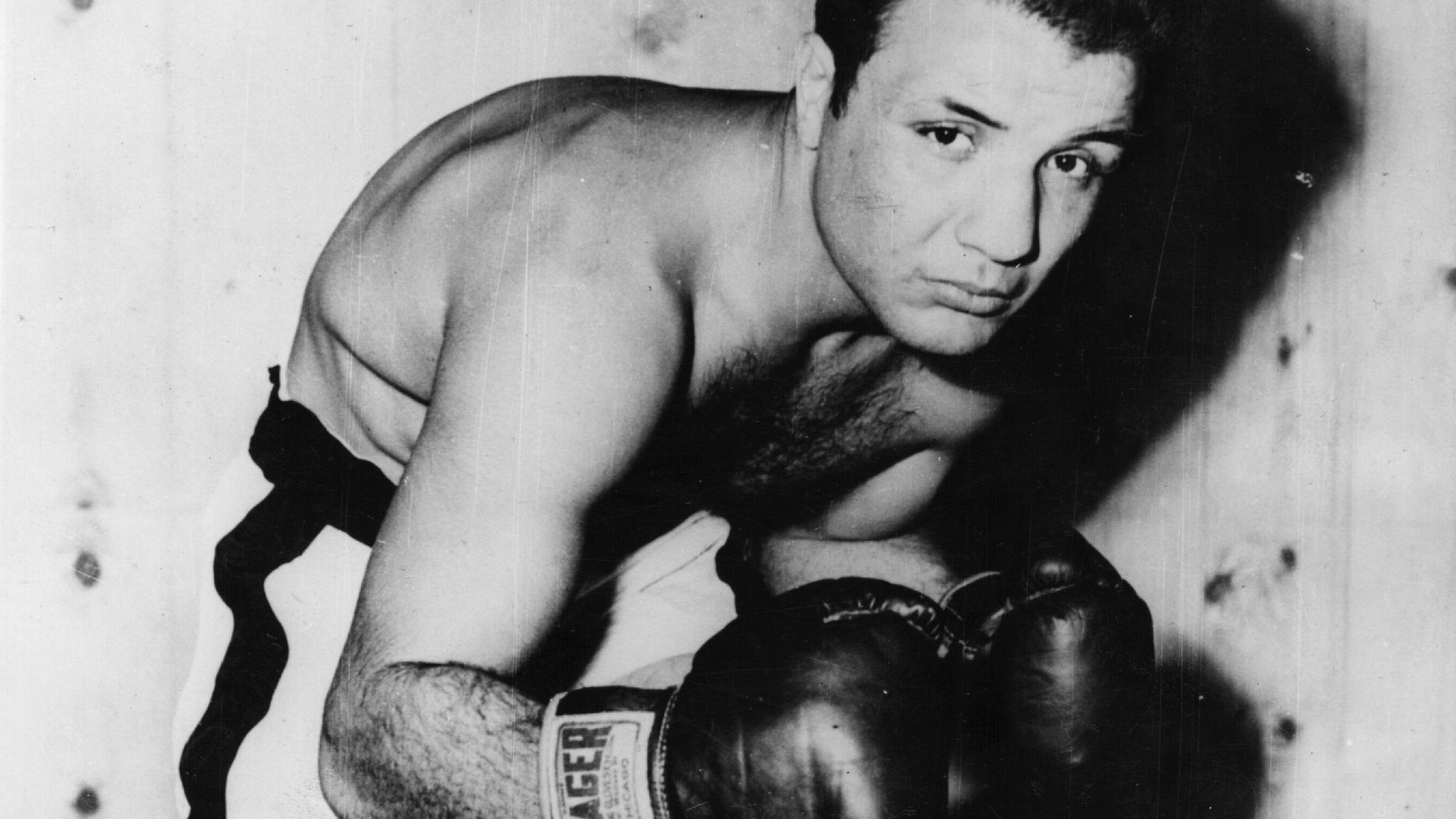 Jake LaMotta: Legendary Raging Bull boxer dies at 95