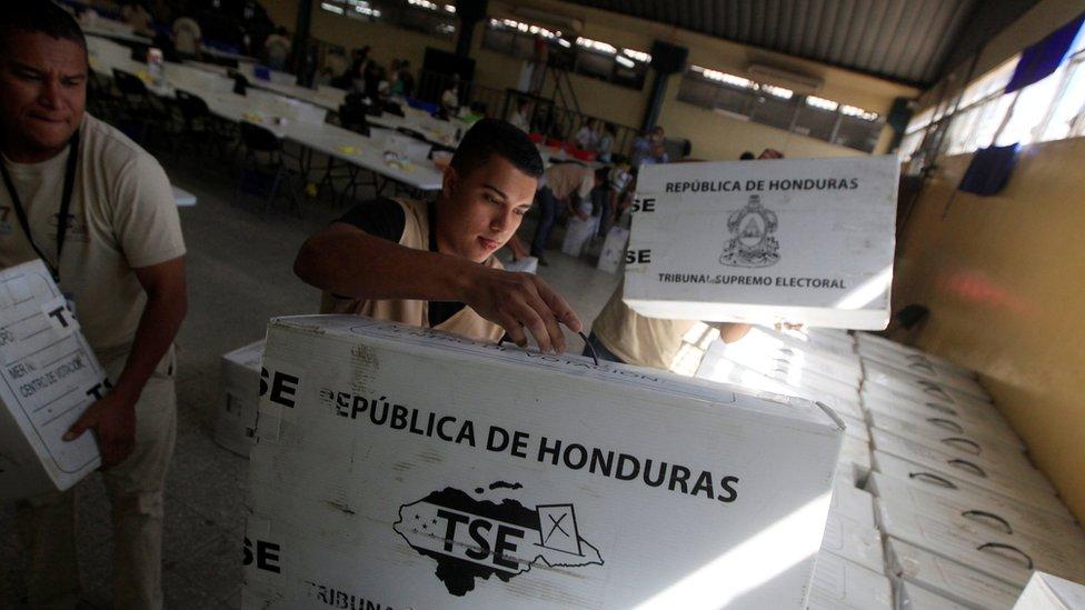 Traslado de urnas en Honduras