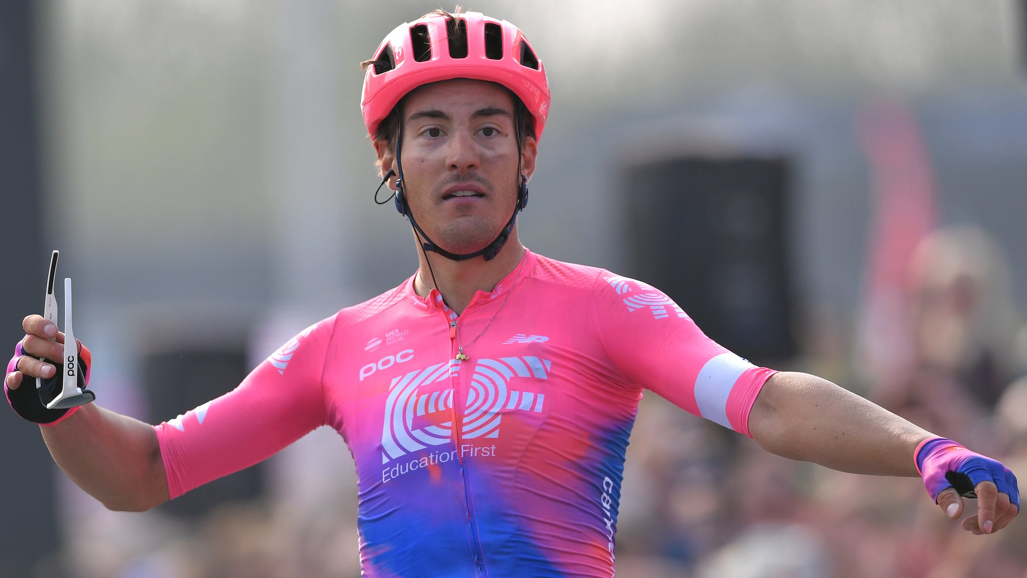 Bettiol takes shock Tour of Flanders victory as Bastianelli wins women's race