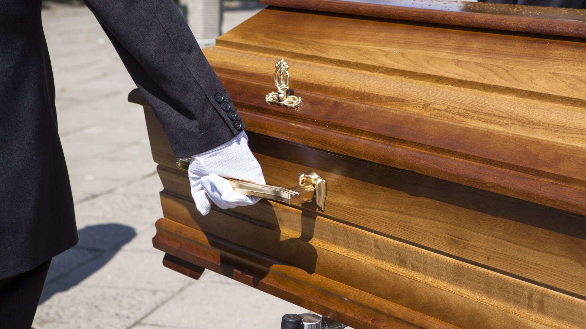 Dignity cuts funeral prices amid growing competition