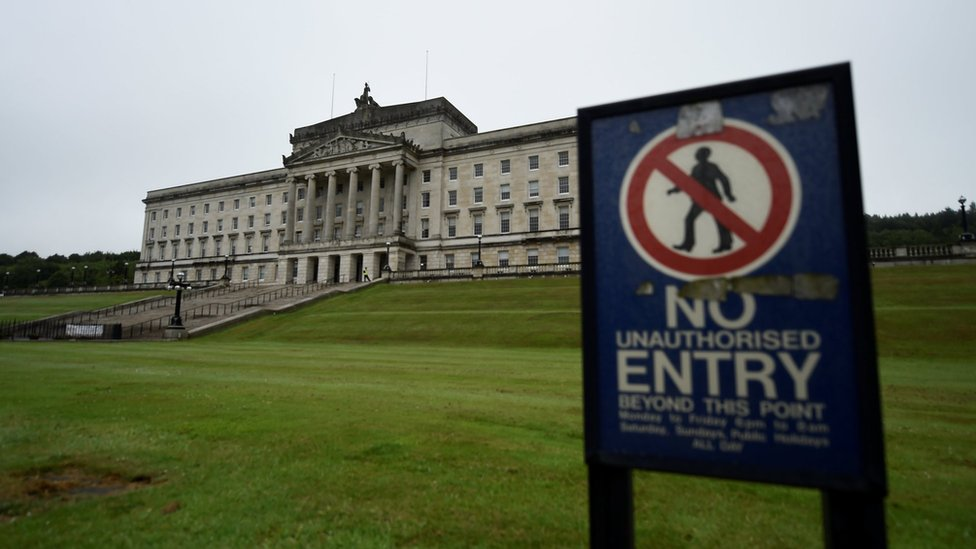 Stormont power-sharing talks going down to the wire