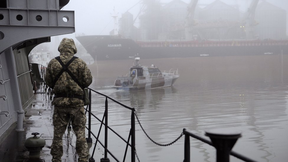 Ukraine-Russia sea clash: Poroshenko urges Nato to send ships