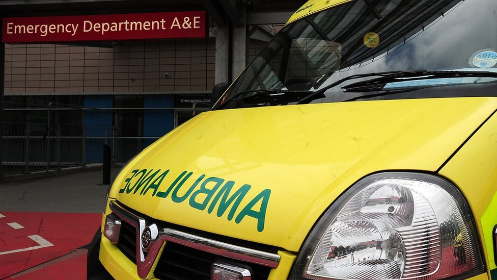 East of England ambulance delays: Medical director to leave post