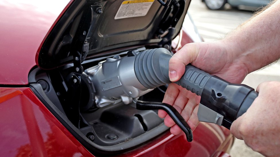 Most new cars must be electric by 2030, ministers