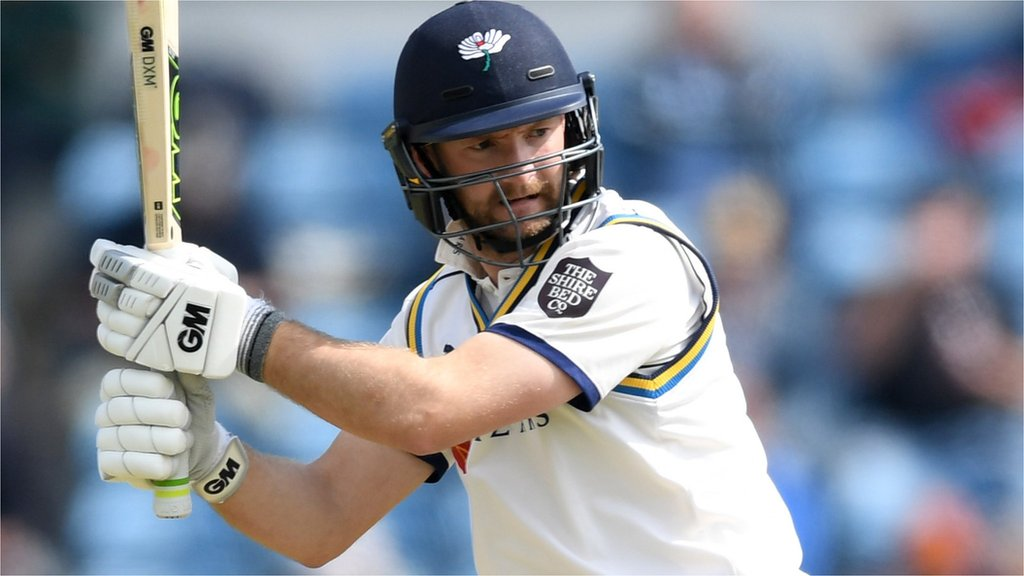 County Championship: Rain halts Yorkshire v Hampshire after Lyth ton | BBC