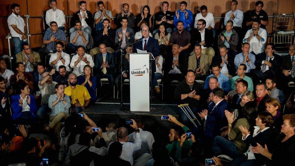 Borges habló en representación de la coalición opositora Mesa de la Unidad Democrática.