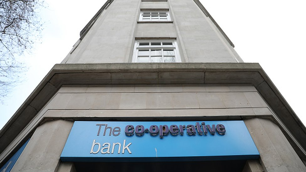 Co-operative Bank agrees £700m rescue package
