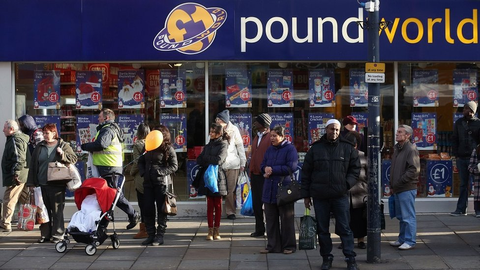 Poundworld and Carpetright add to retail gloom