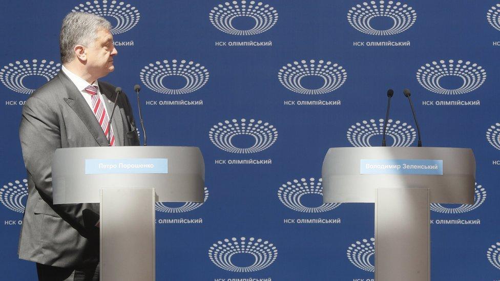 sports shoes 0fbfc 3a3d7 Ukraine election  Poroshenko debates empty podium as Zelensky stays away -  President Petro Poroshenko s rival, Volodymyr Zelensky, fails to turn up  for ...