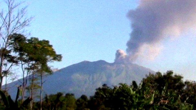 Volcanoes Bali Indonesia Indonesia Volcano Spews Ash