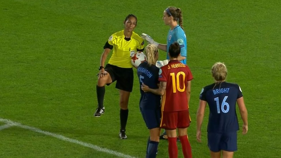 Women's Euro 2017: Spain baffled as referee changes penalty decision