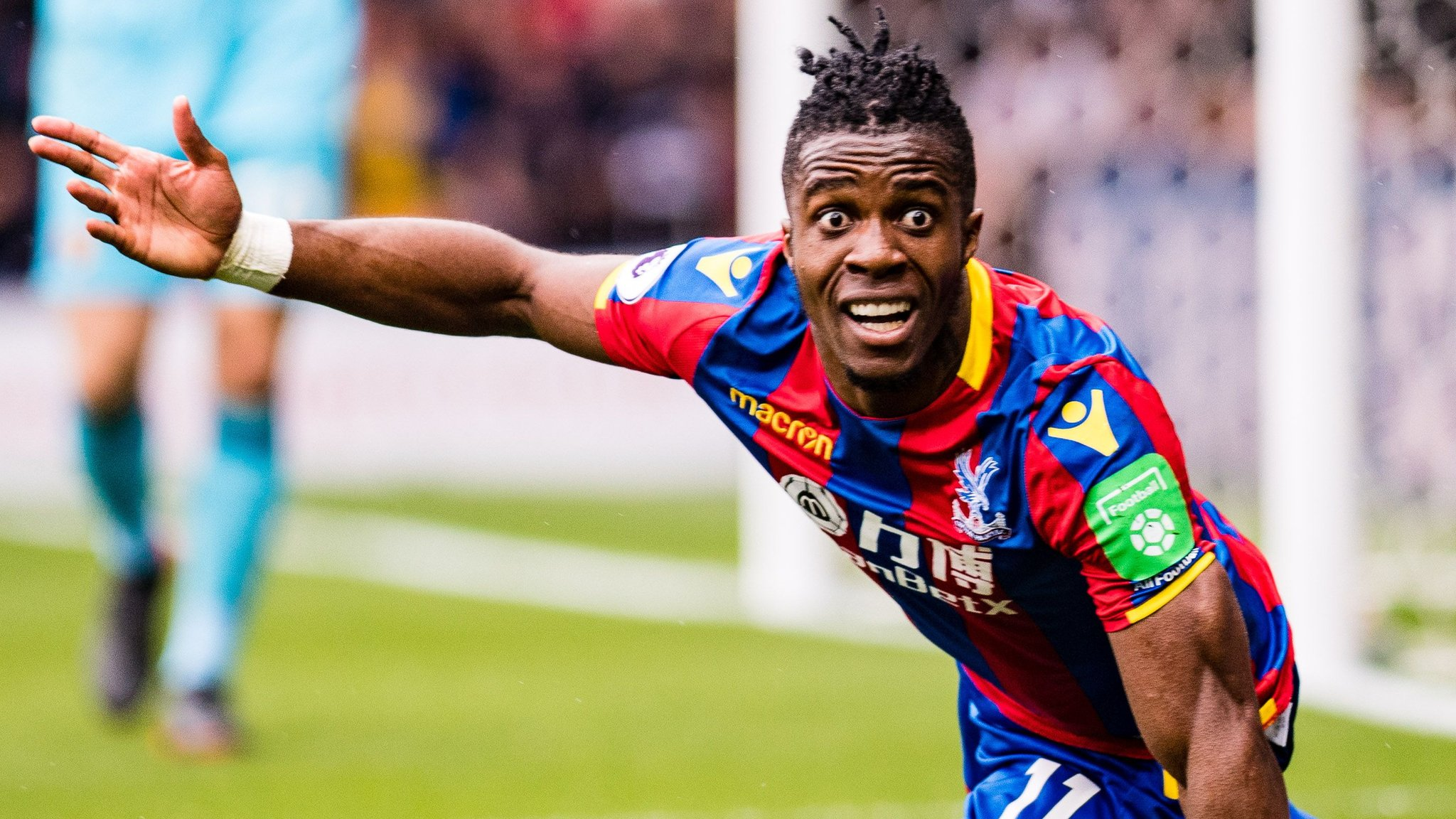 Zaha booked for diving in Palace's goalless draw at Watford