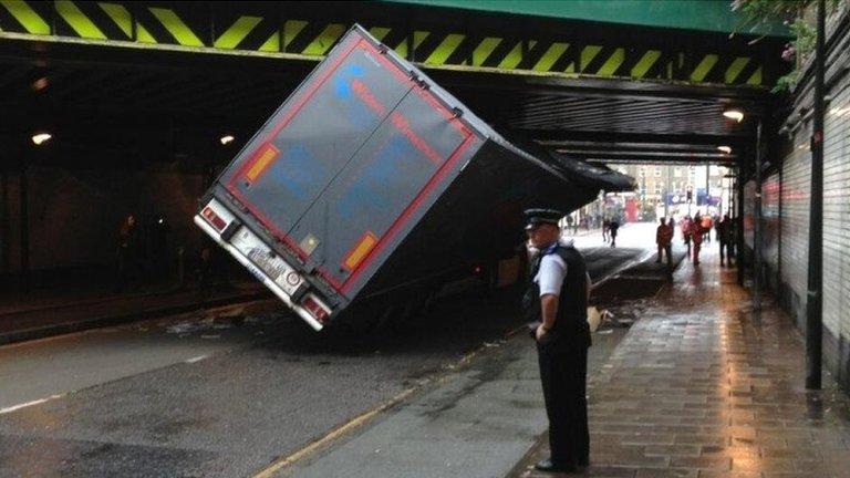 Sat-nav update 'to prevent stuck lorries'