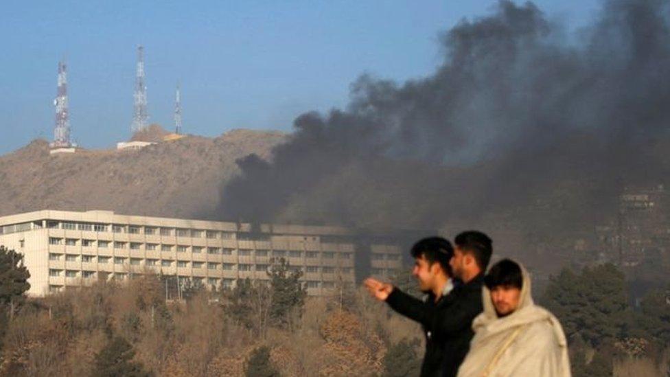 """القوات الأفغانية """"تنهي"""" حصارا استمر 12 ساعة لفندق كبير في كابول"""