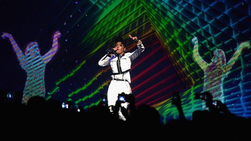 Whitney Houston, Gorillaz, Hatsune Miku: What is a hologram tour? - CBBC Newsround