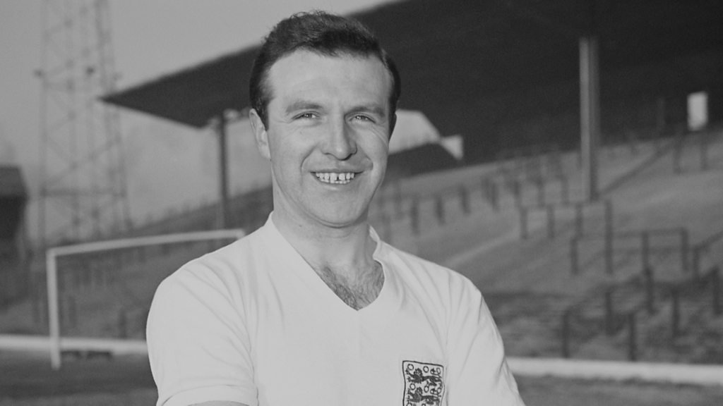 Jimmy Armfield obituary: Former England and Blackpool captain dies aged 82