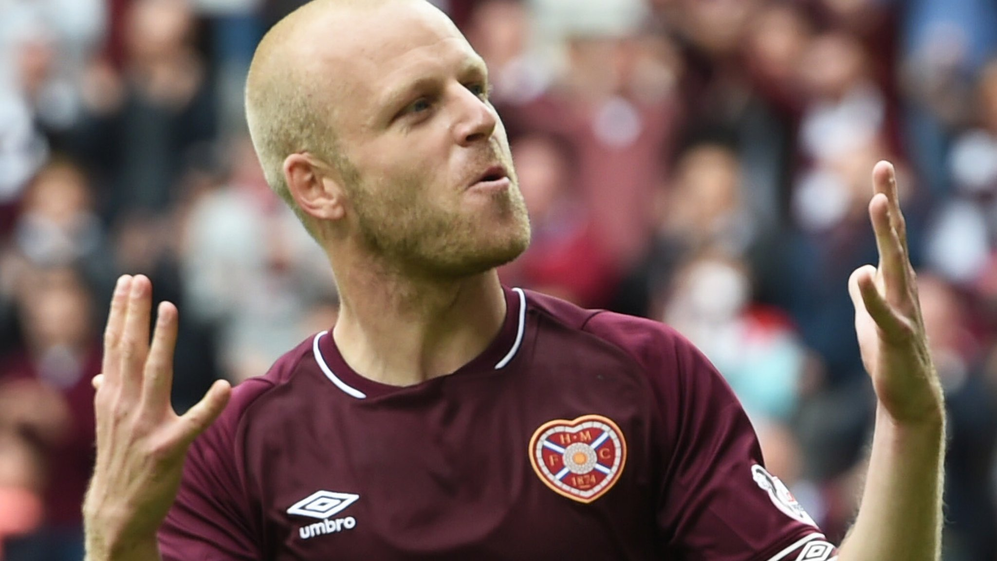 Steven Naismith: Hearts striker considering MLS move - Craig Levein