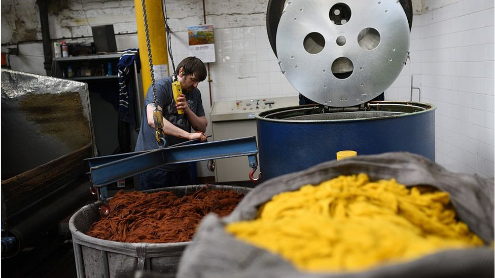 Brexit knocks manufacturers' confidence - report