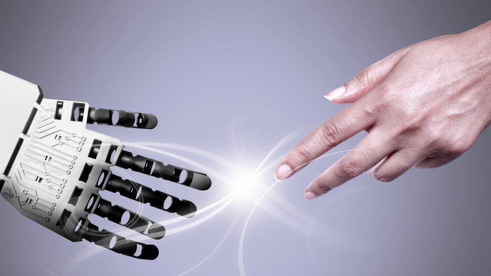 ¿Debemos preocuparnos por el exceso de inteligencia de los robots... o es más bien su falta de inteligencia suficiente lo que debería inquietarnos?
