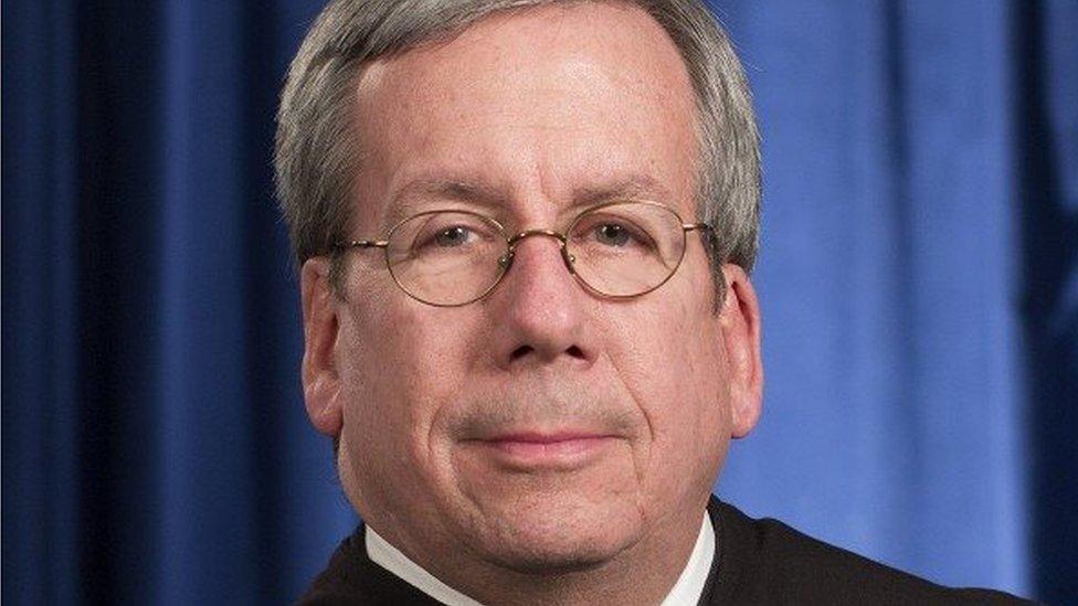 """قاض أمريكي بالمحكمة العليا يتباهى """"بعلاقاته الجنسية مع 50 امرأة"""""""