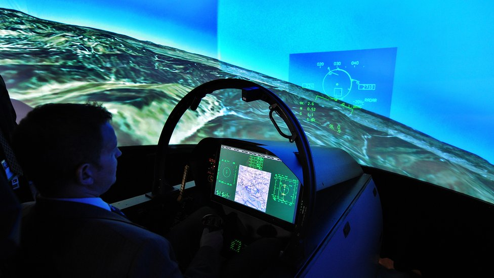 AI fighter pilot wins in combat simulation
