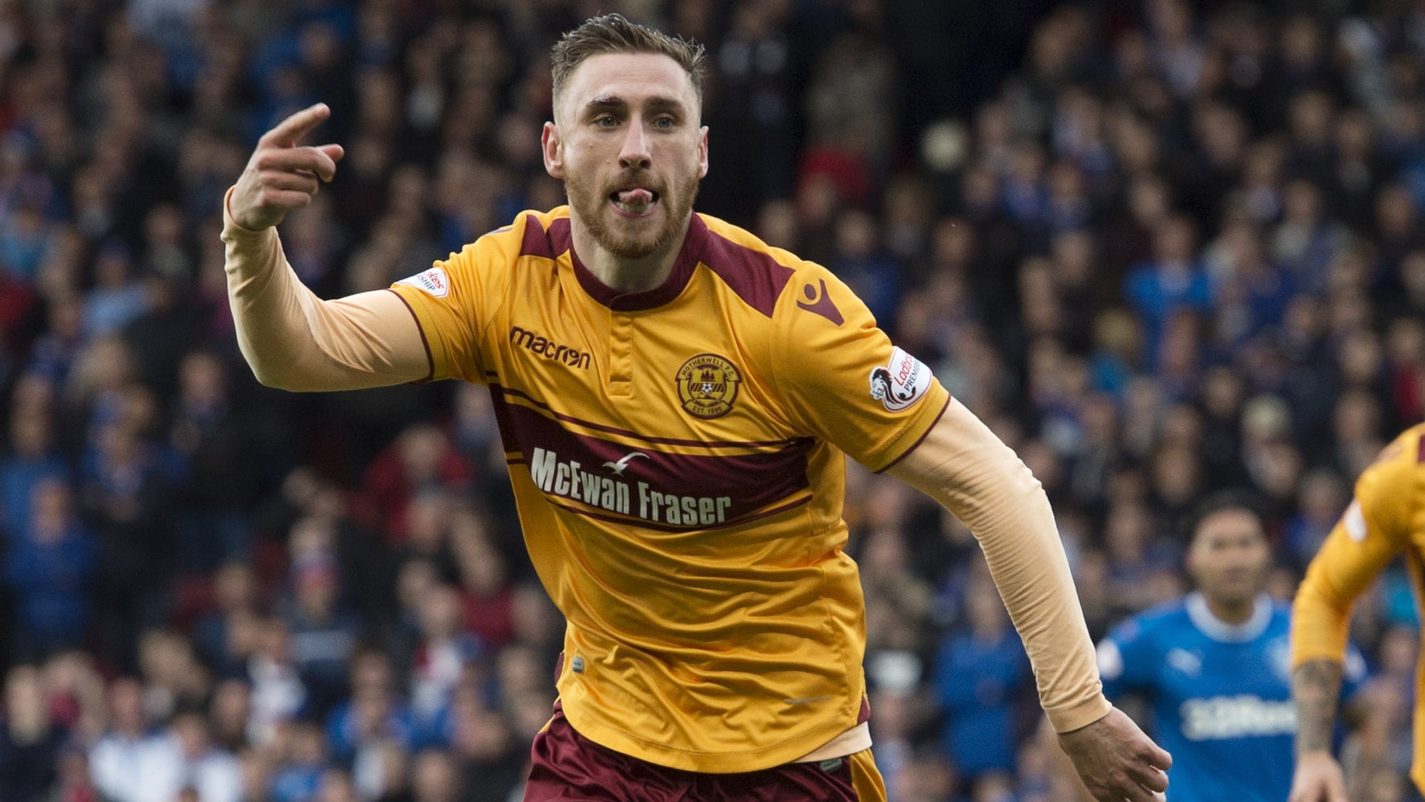 Moult double sends Motherwell into cup final