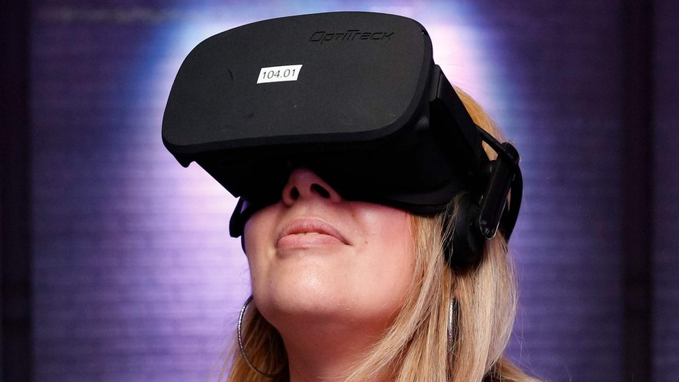 Xbox steps back on VR plans