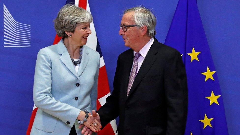 Reino Unido y la Comisión Europea llegaron a un acuerdo este viernes que les debería permitir mover las negociaciones del Brexit a la siguiente etapa.
