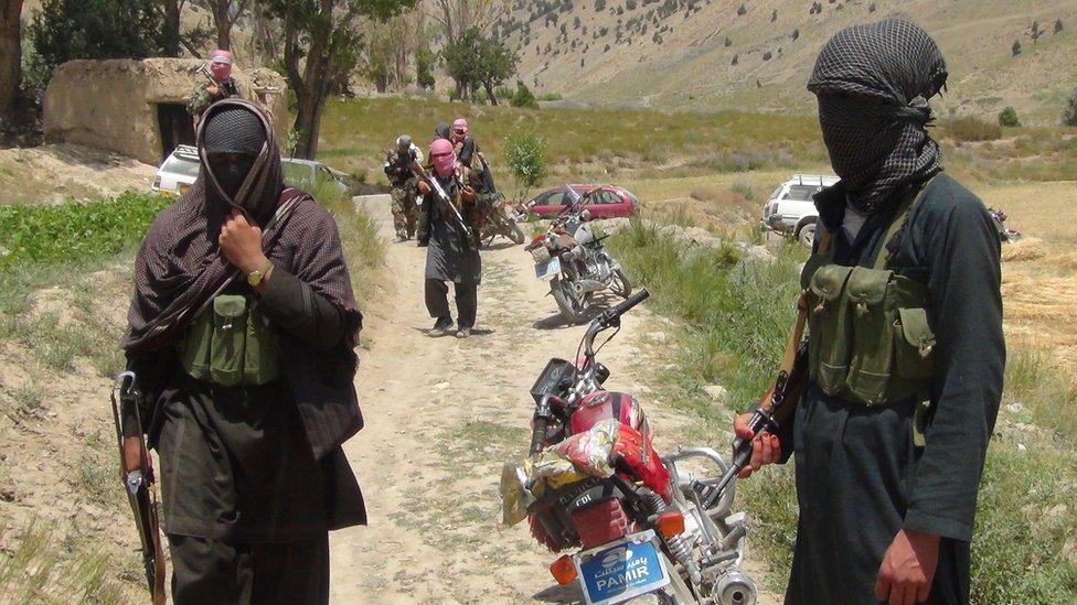 د افغانستان څلورو ولايتونو کې ۶۵ امنيتي سرتېري وژل شوي