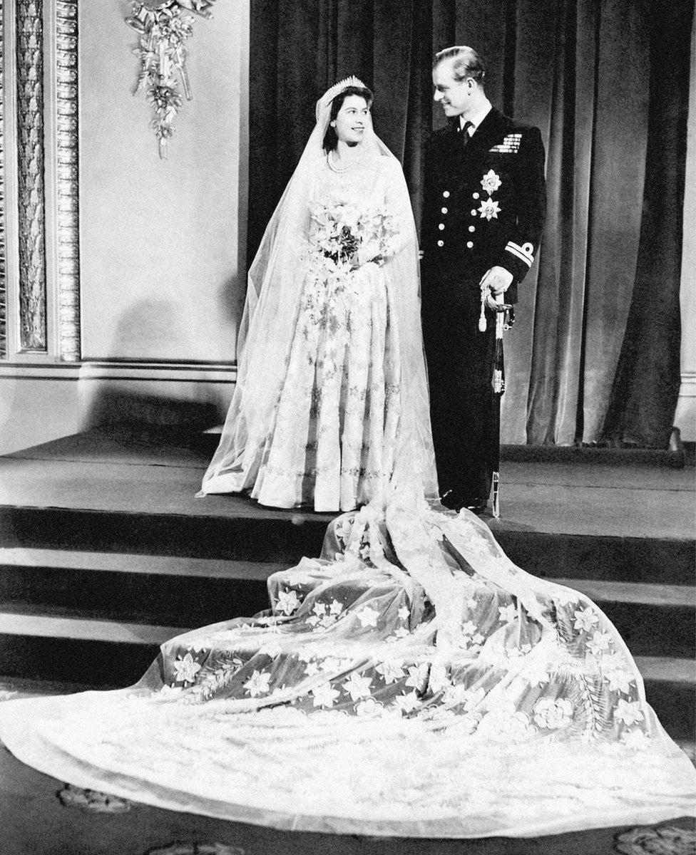 الملكة إليزابيث الثانية والأمير فيليب
