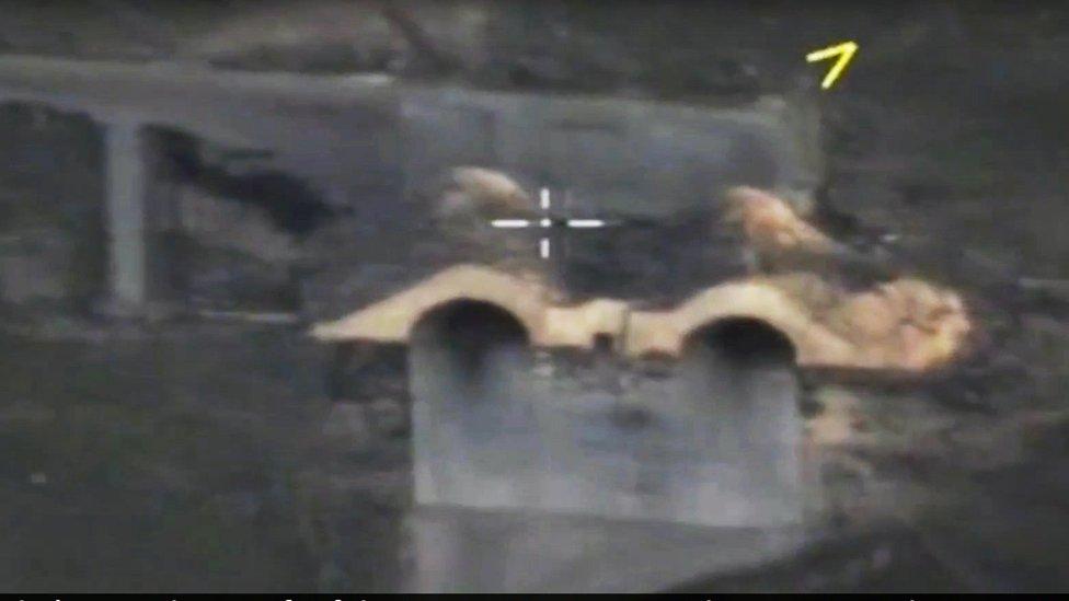 صورة جوية لمطار الشعيرات بعد ضربه بالصواريخ الأمريكية