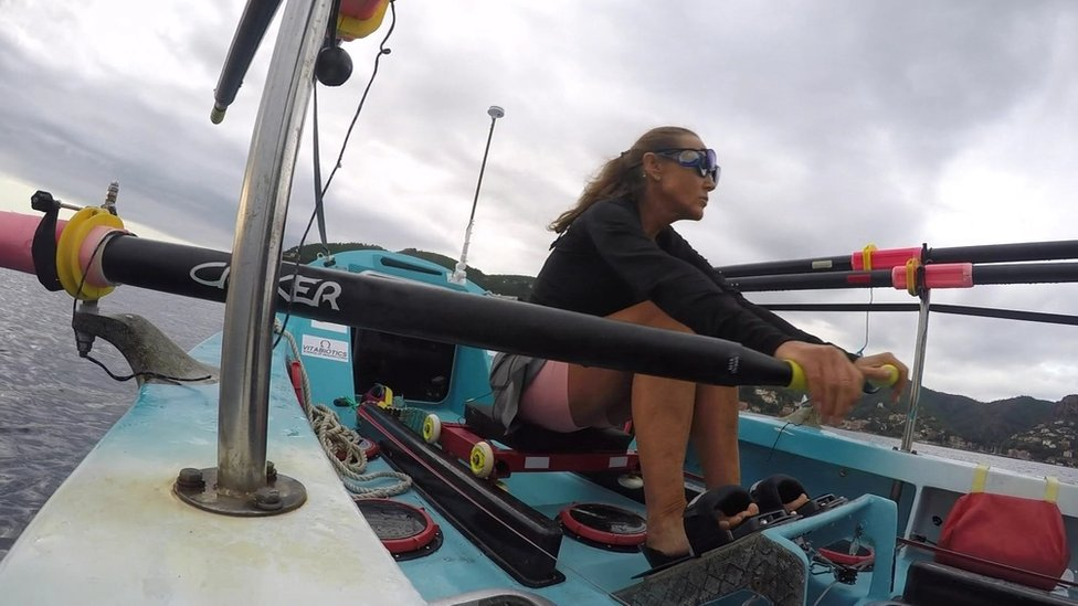 Solo rower Shirley Thompson rescued after boat takes in water