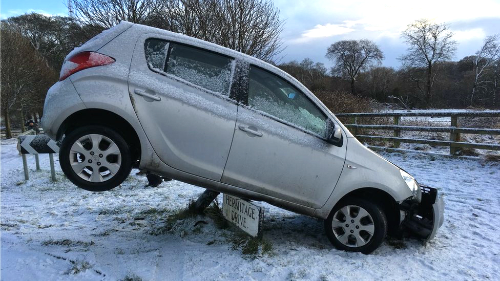 Travel warning as Met Office snow status upgraded to amber