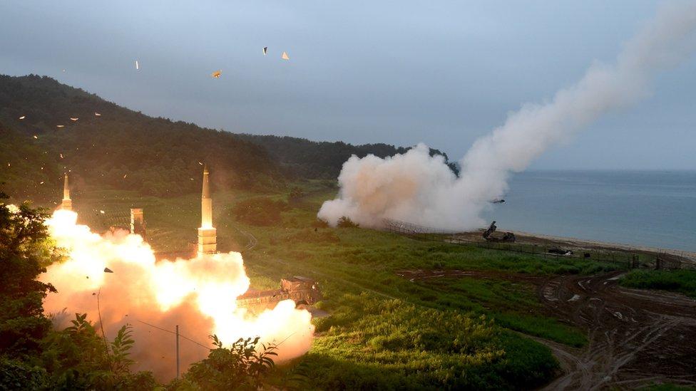ردت الولايات المتحدة وكوريا الجنوبية على تجارب كوريا الشمالية بمناورات استخدمت بها صواريخ أرض-أرض