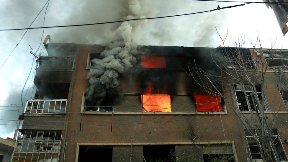 منزل تعرض لقصف في الغوطة