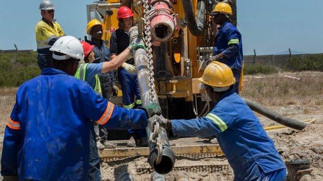 Las autoridades de Ciudad del Cabo están realizando perforaciones para aprovechar el agua subterránea de los acuíferos presentes en la zona.