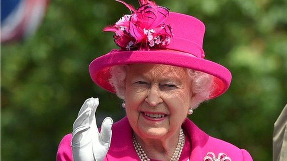 Єлизавета ІІ не зречеться престолу на користь принца Чарльза - Sunday Times
