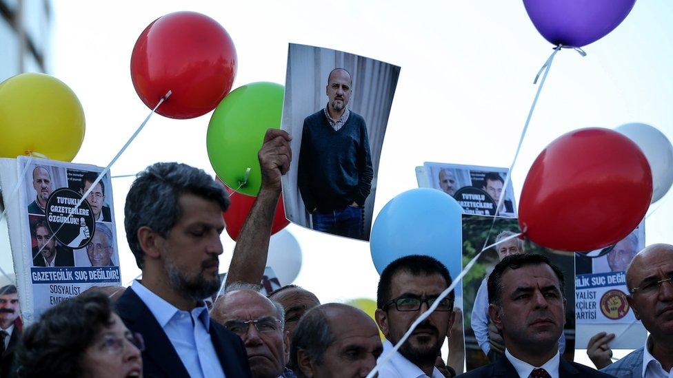 دادگاه روزنامهنگاران جمهوریت در ترکیه آغاز شد