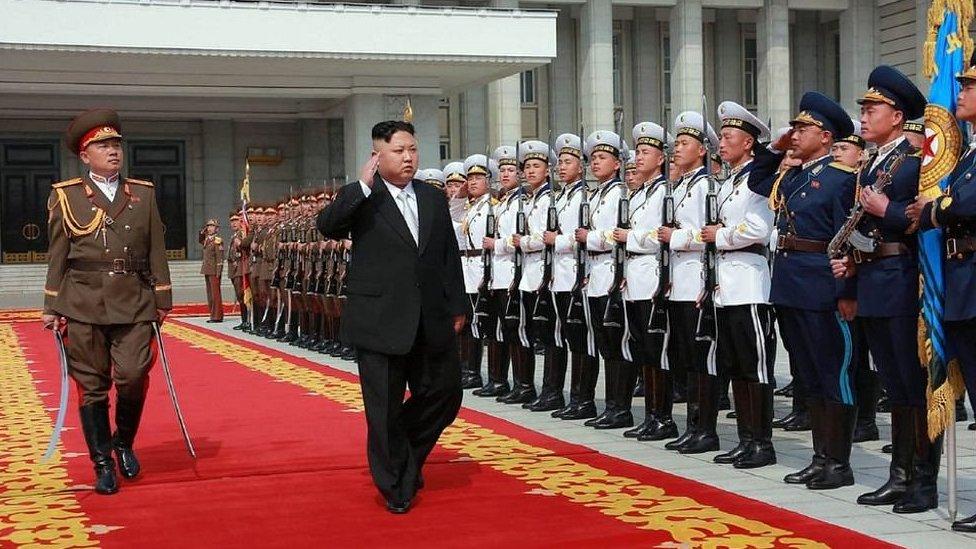 Corea del Norte mantiene su postura amenazante en la crisis con Estados Unidos.
