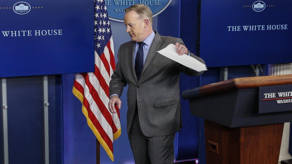 Речник Трампа Шон Спайсер подав у відставку