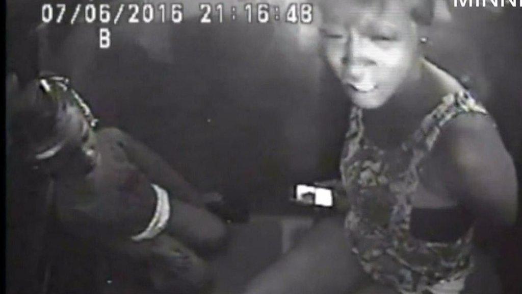 Philando Castile: Girl, 4, calms mother in police car