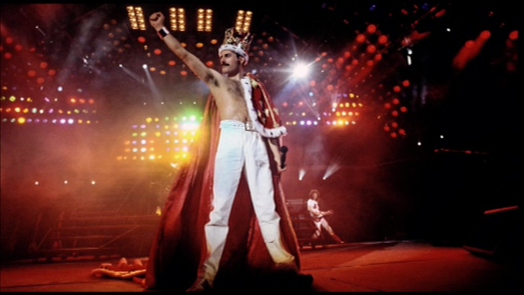 Rarely seen Queen and Freddie Mercury photos go on display