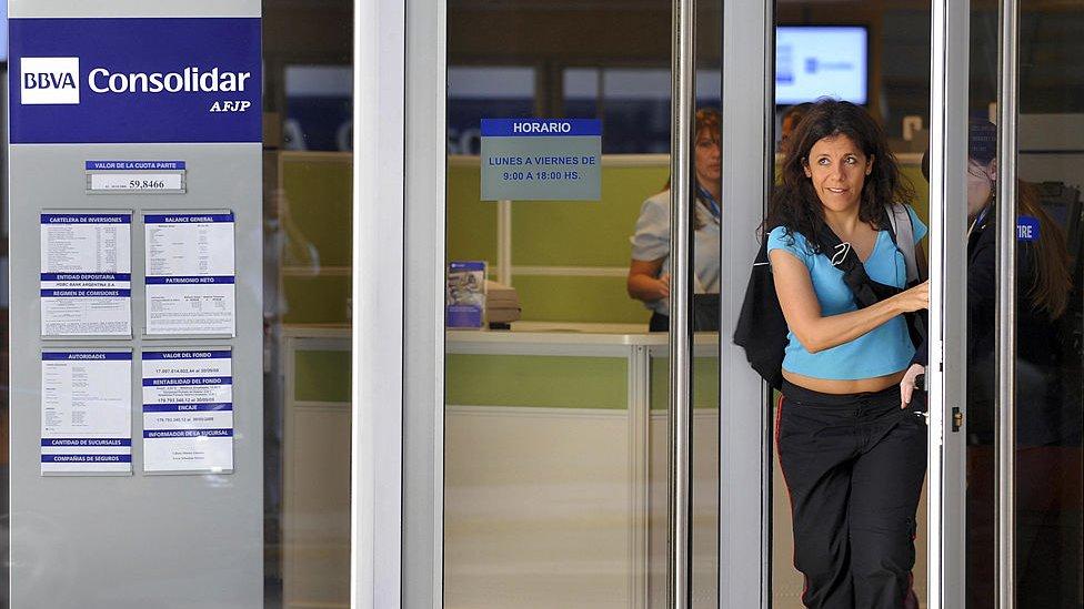Argentina nacionalizó los fondos privados de pensiones.