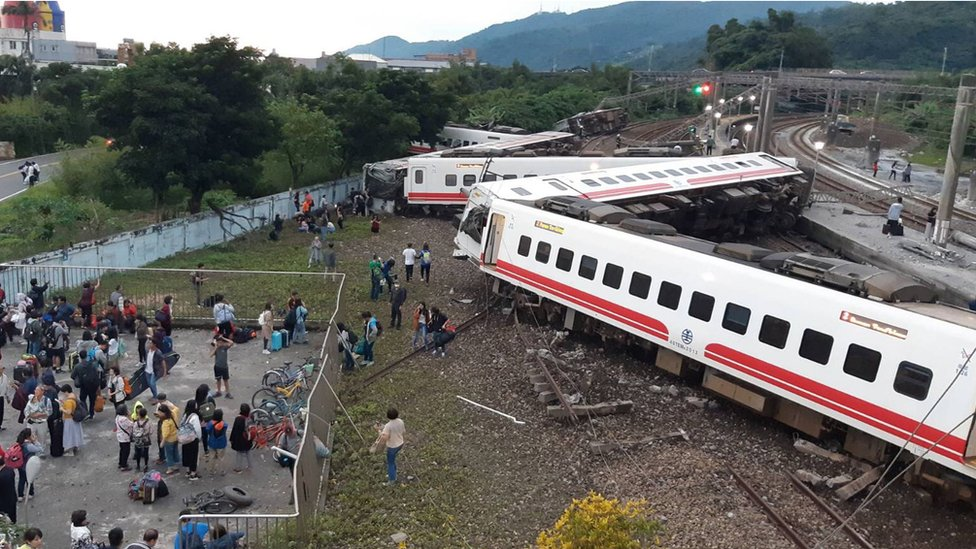Taiwan train derailment in Yilan County kills at least 18