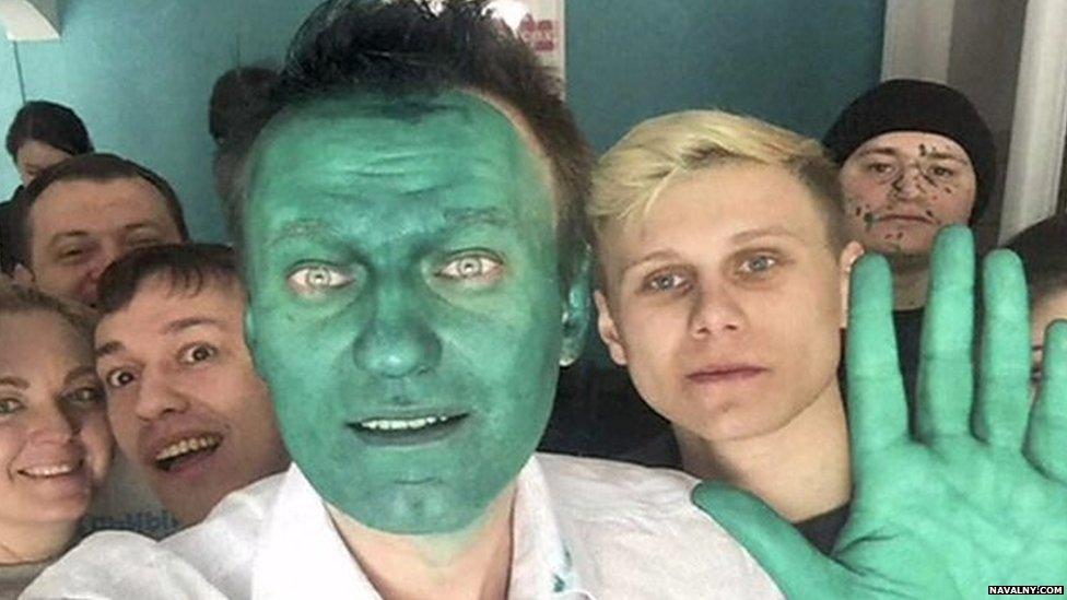 Russian politician Alexei Navalny hit with green liquid