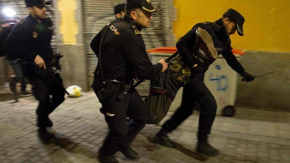 Spain riots over Senegalese vendor's death