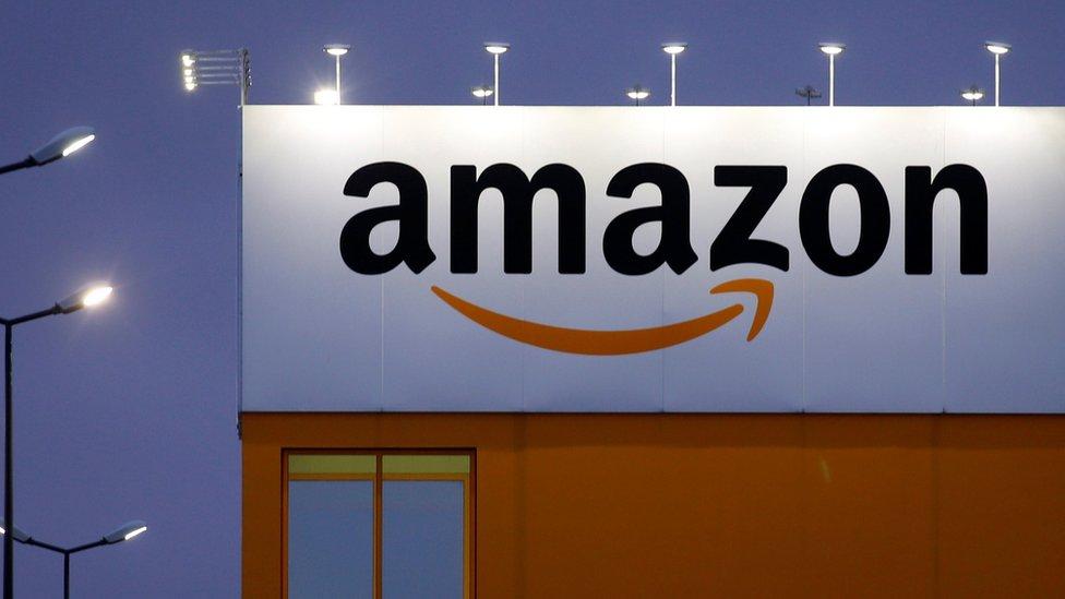"""""""Anaranjado Amazon"""" fue el color que eligió el alcalde de la ciudad de Nueva York, Bill de Blasio, para """"trabajar agresivamente"""" en su candidatura como sede."""