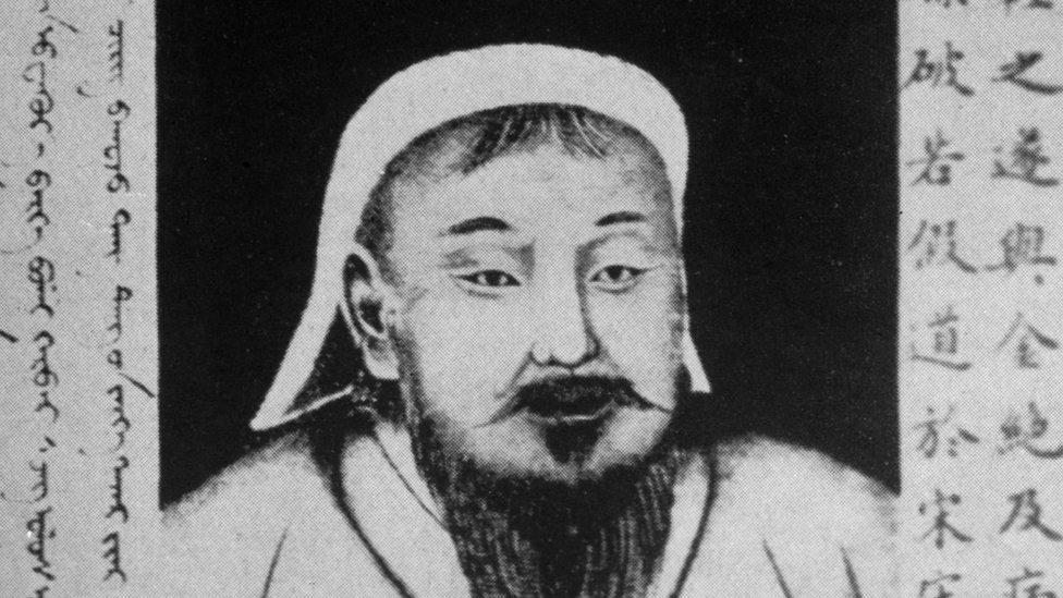মোঙ্গল শাসক চেঙ্গিস খানের ছবি ইচ্ছাকৃতভাবে পদদলনের দায়ে চীনা তরুণের জেল