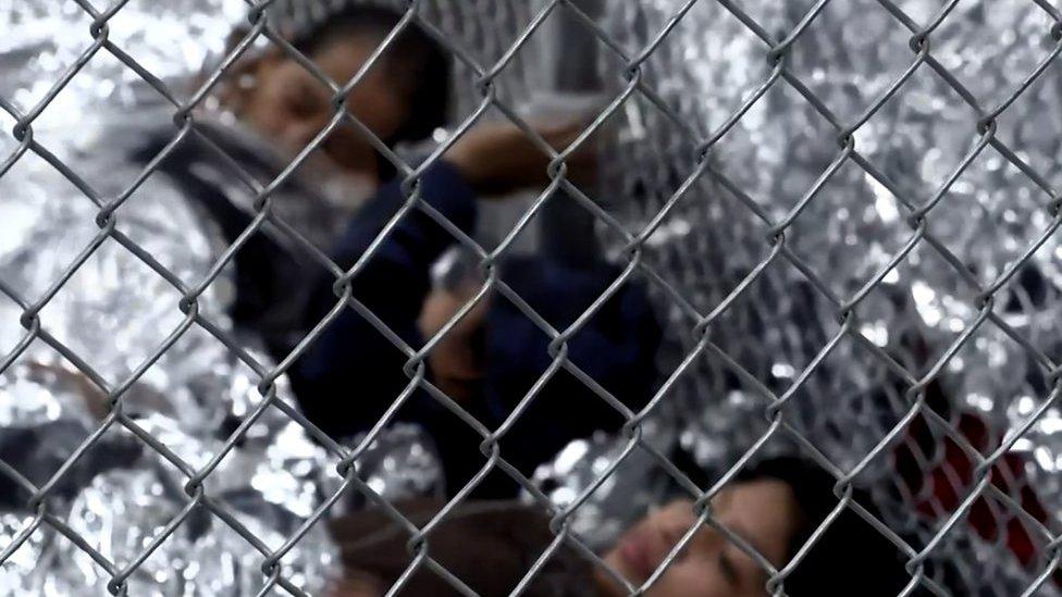 US child migrants recorded crying | BBC